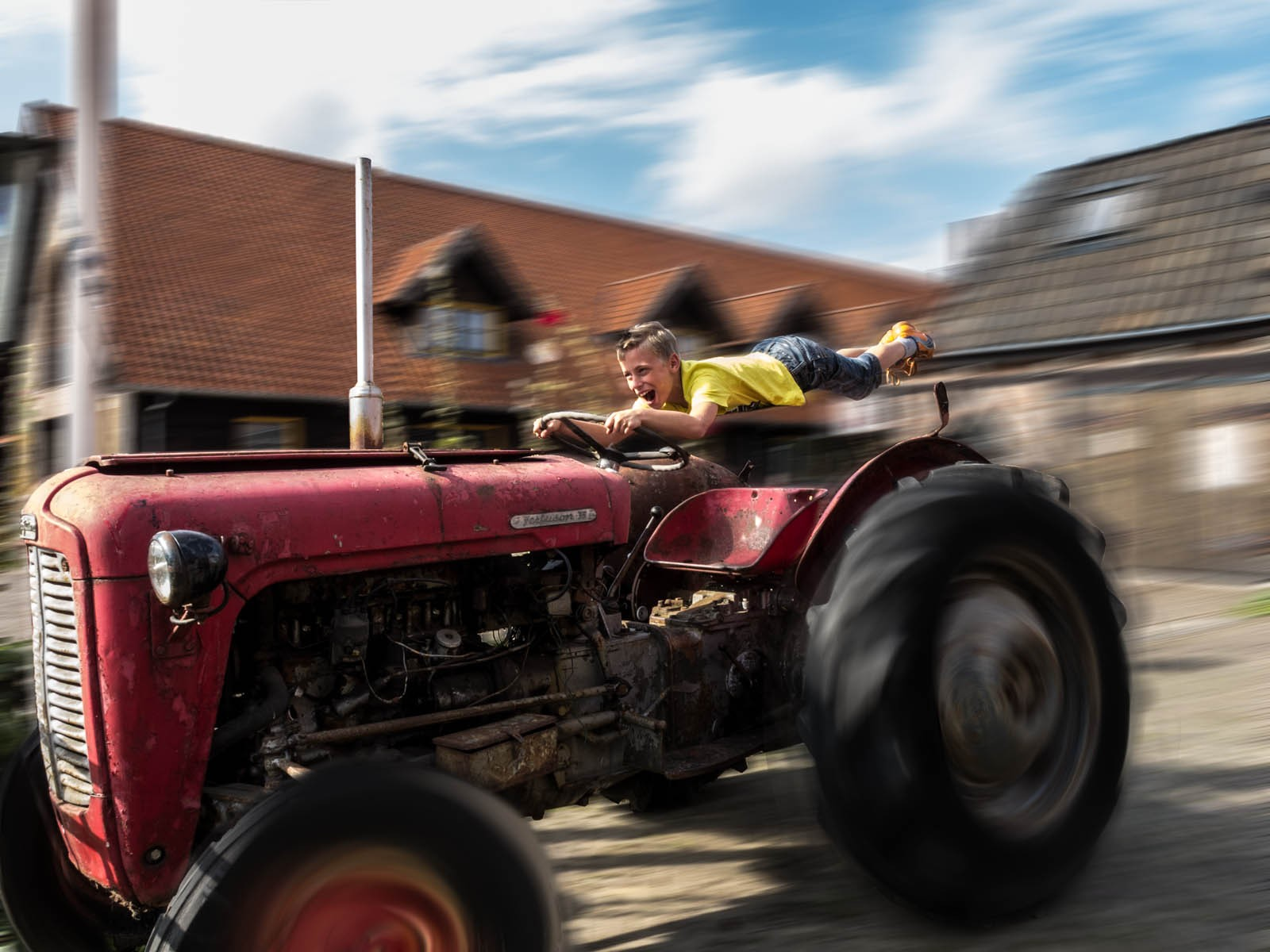 Tractor racing