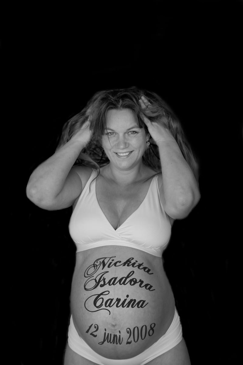 Tattooed Pregnant - Milf Nude Photo